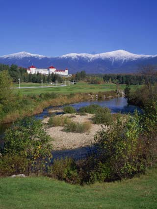 Hotel Below Mount Washington, White Mountains National Forest, New Hampshire, New England, USA