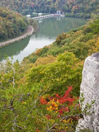 Kanawha River Overlook, Hawks Nest State Park, Anstead, West Virginia, USA