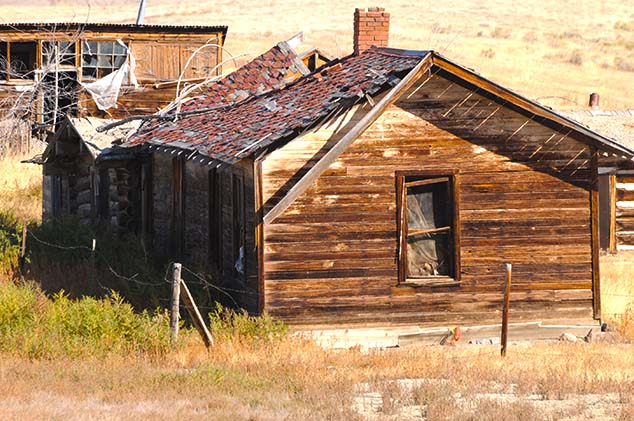 old farm building wyoming