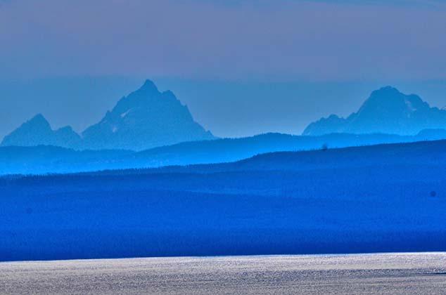 mountains yellowstone